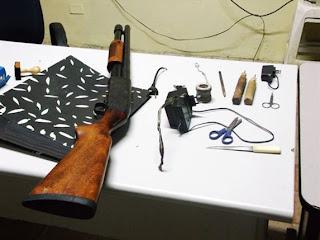 Detento é flagrado com espingarda calibre 12 em cadeia pública