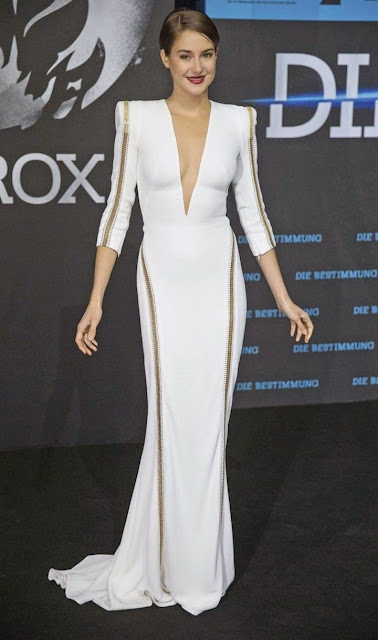 Shailene Woodley wears a plunging Zuhair Murad look at the 'Divergent' Berlin premiere