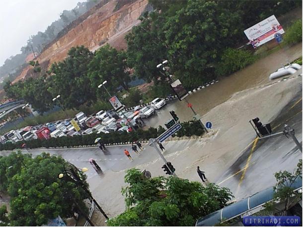 banjir kilat persimpangan mitc ayer keroh melaka