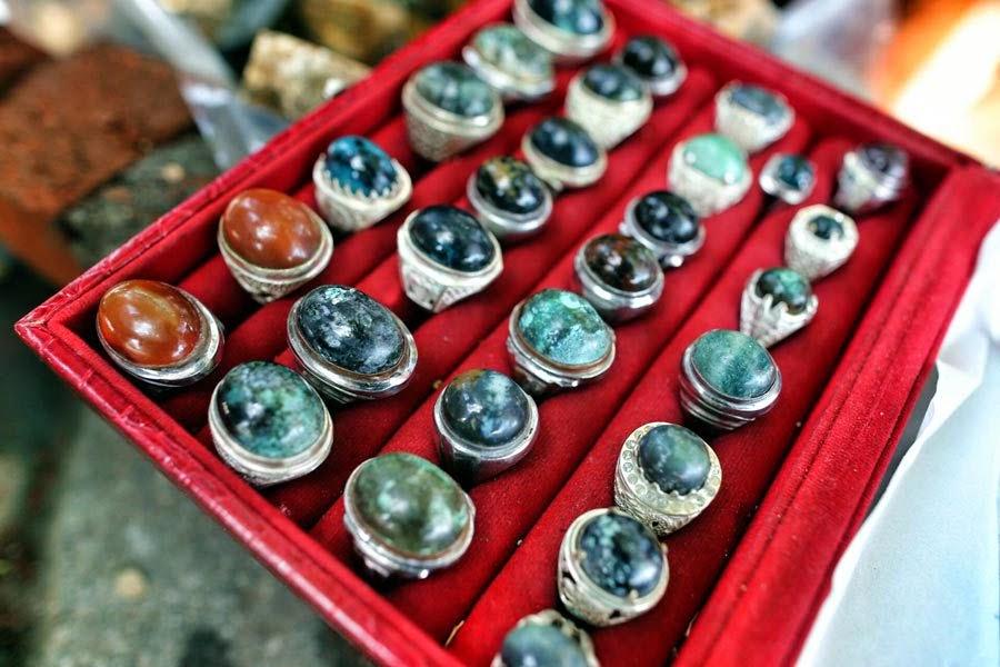 Manfaat atau Mustika memakai batu Akik Menurut Primbon Jawa, Manfaat atau Mustika memakai batu Permata menurut Primbon Jawa, Khasiat dan kharisma memakai batu Akik- batu bacan-batupermata  Menurut Primbon Jawa