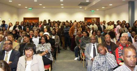Guebuza apela aos moçambicanos a regressar para apoiar no desenvolvimento do país