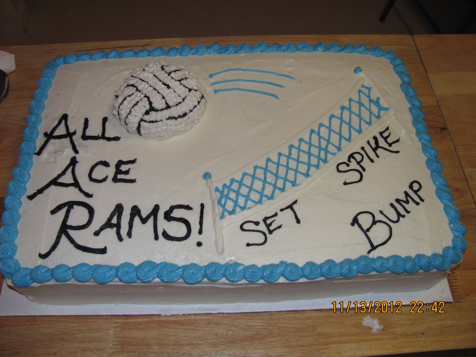 Batter Up Volleyball Cake