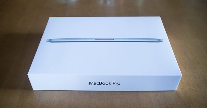 MacBook Pro 13インチが届いたので開封の儀をした