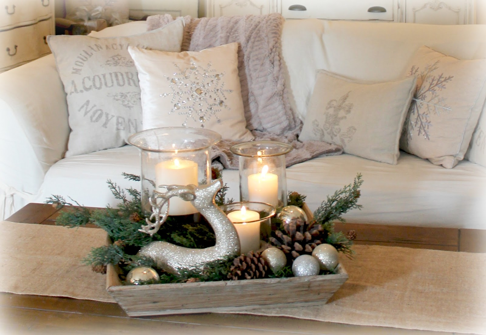 The fancy shack a christmas tour vignettes - Decorations for living room tables ...