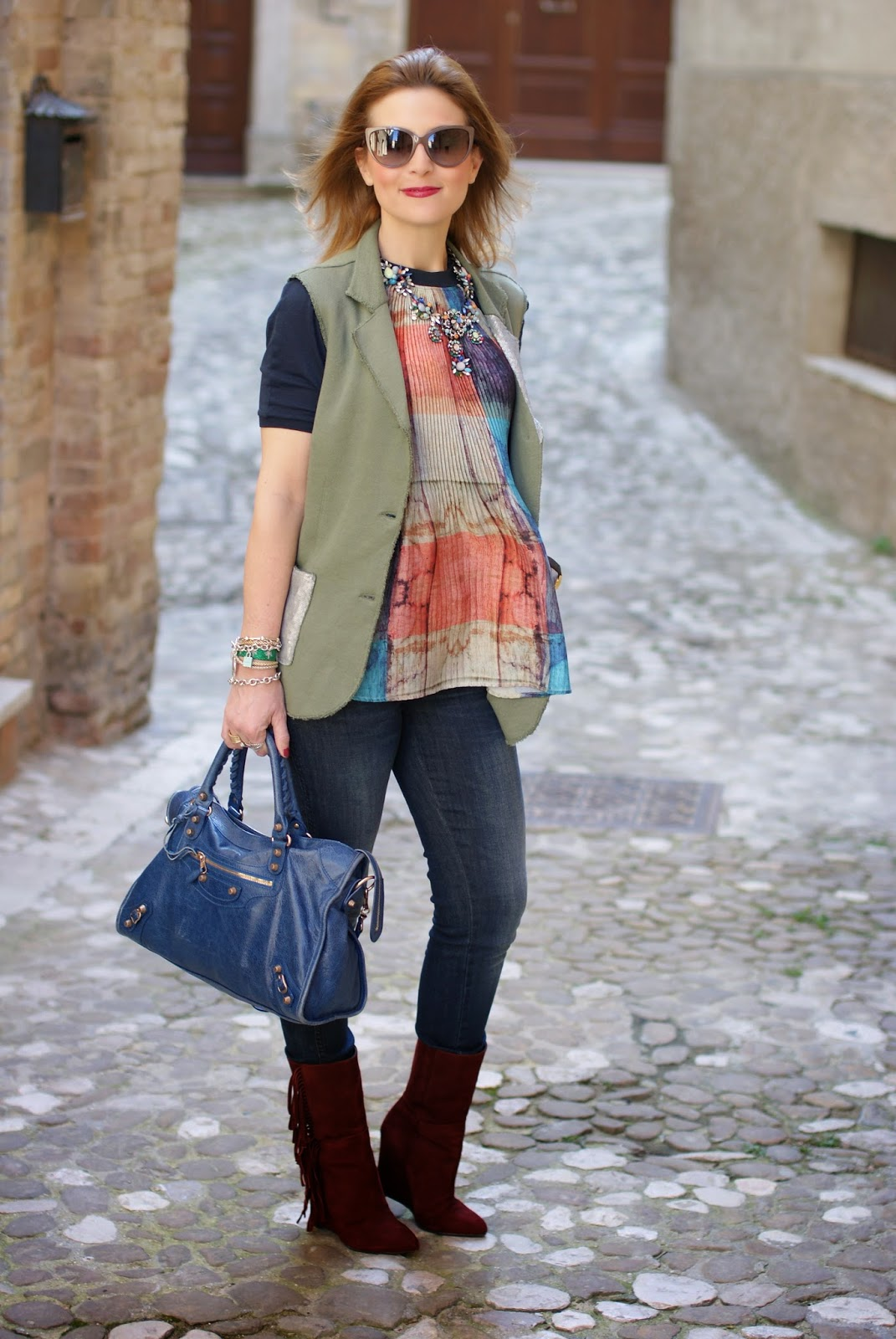 Praio sleeveless jacket, Zara pleated top, Balenciaga City blue, Fashion and Cookies, fashion blogger