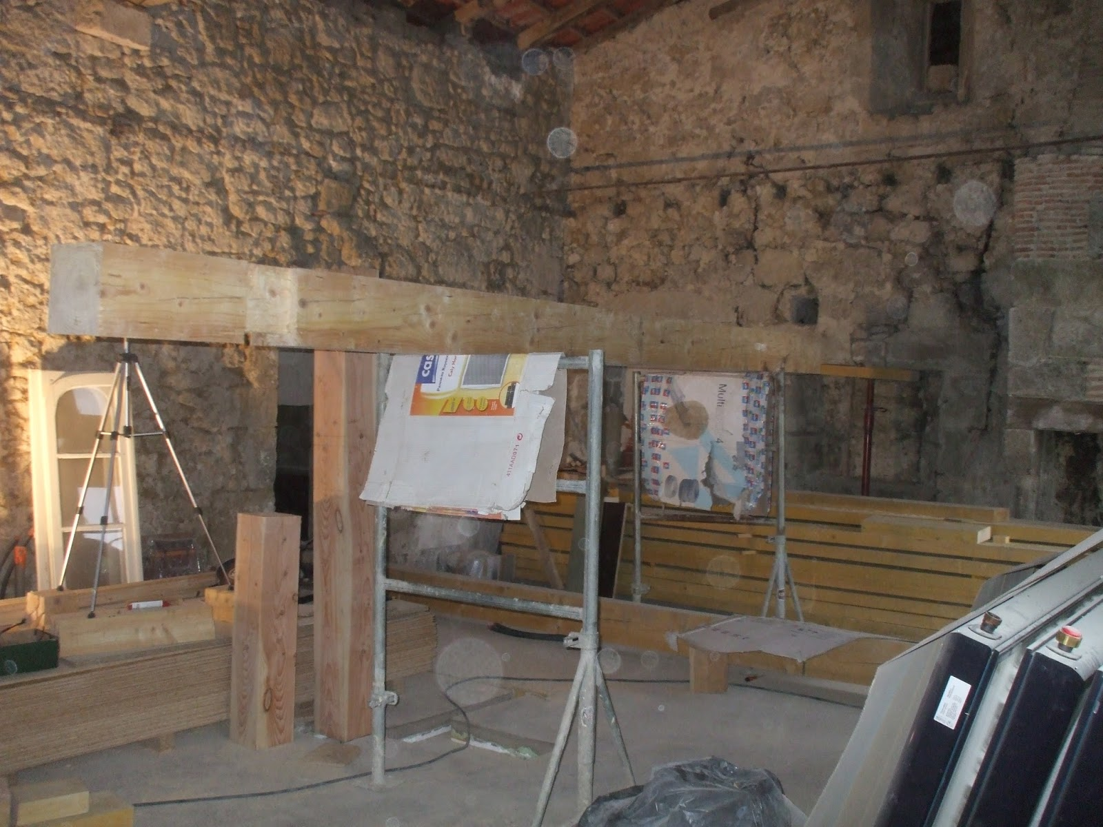 Les terrasses de bessou chantier maintenant 22 25 ao t 2013 le retour de la mezzanine for Plancher mezzanine
