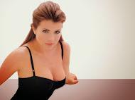 Hollywood Actress Yasmine Bleeth HD Wallpapers