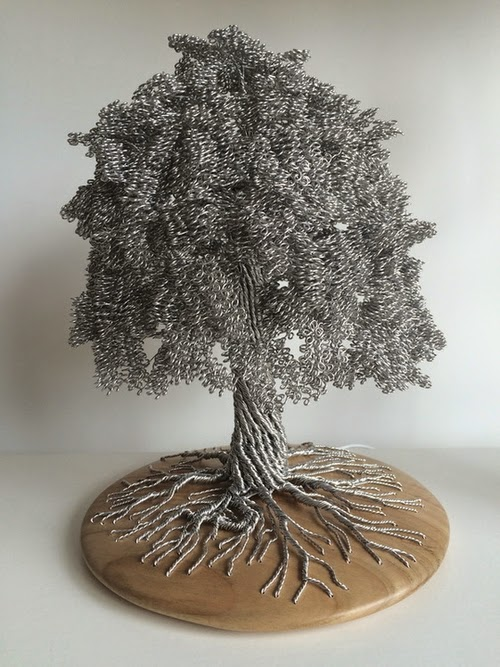 01-Clive-Maddison-Small-Wire-Tree-Sculptures-www-designstack-co