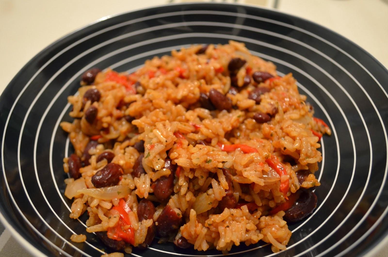 La petite poussi re celle qui cuisine du riz aux - Cuisiner haricot rouge ...