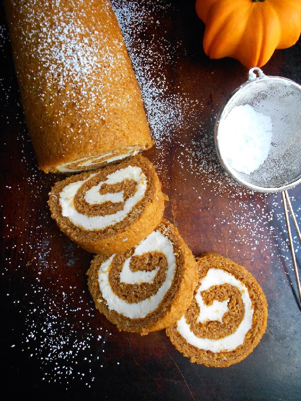 Pumpkin roll + maple cream cheese filling = what your dreams are made ...