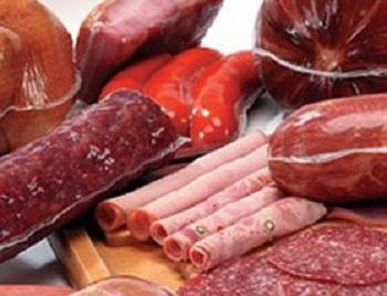 Estudos comprovaram que aqueles que consumiam muita carne processada tinham 44% a mais de chances de morrer prematuramente do que aqueles que não consumiam esse tipo de alimento.