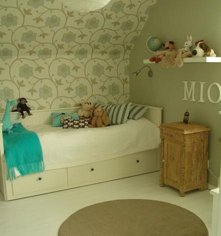 Amestuz la cama 10 la cama hemnes de ikea - Divan ikea blanco ...