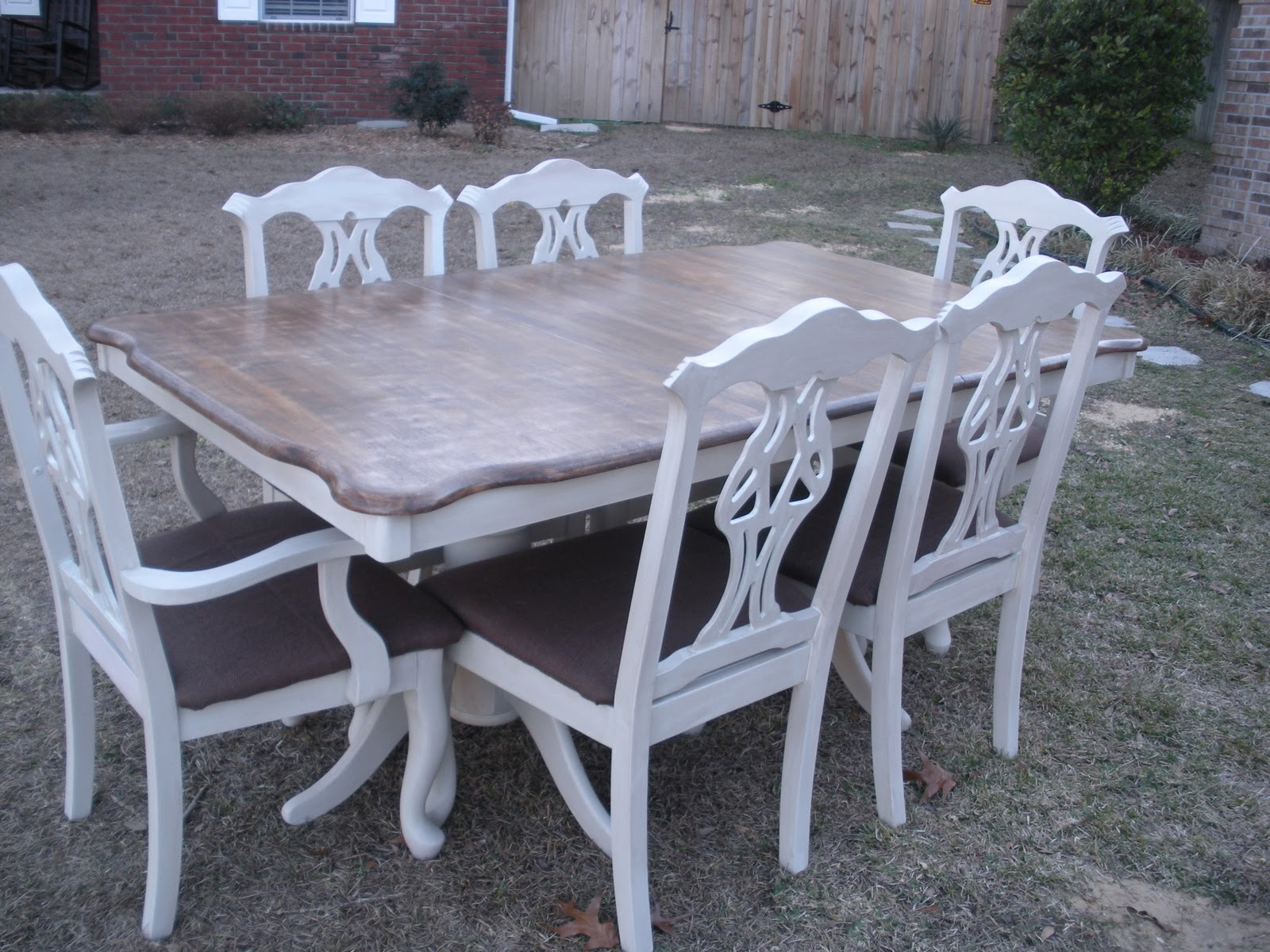 The JUNKtion Farmhouse Style Table & Chairs