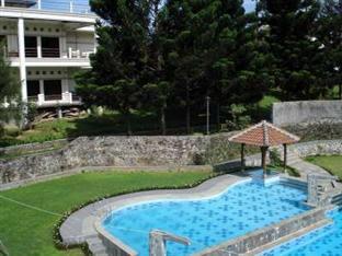 kolam renang Tangko Inn Resort Puncak