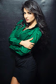Sonal Chauhan Glam Photo shoot-thumbnail-3