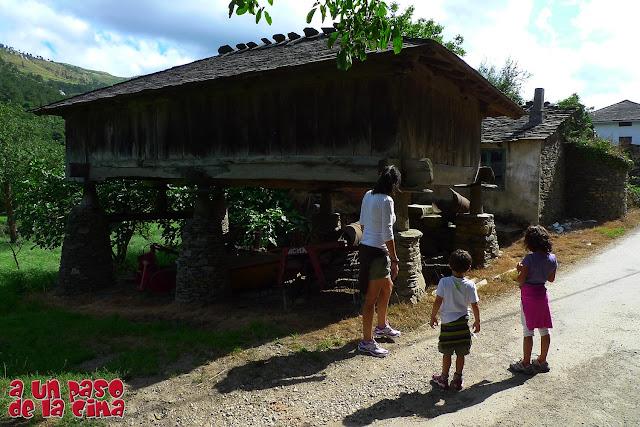 Un hórreo asturiano en Oneta