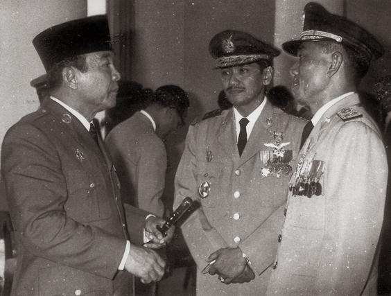 pelaksanaan demokrasi terpimpin guru sejarah