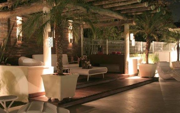 iluminacao de jardim tipos : iluminacao de jardim tipos: trazem charme e conforto para um gostoso bate-papo na área externa