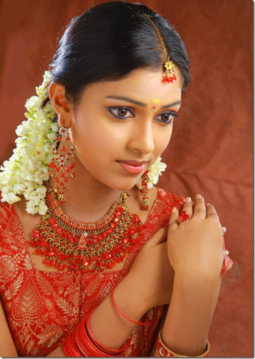 Actress Hot Pix Amala Pal Saree Hot Jewel Ad