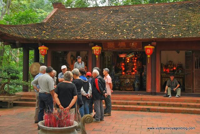 Temple An Mã au Lac de Ba Bể - Photo An Bui