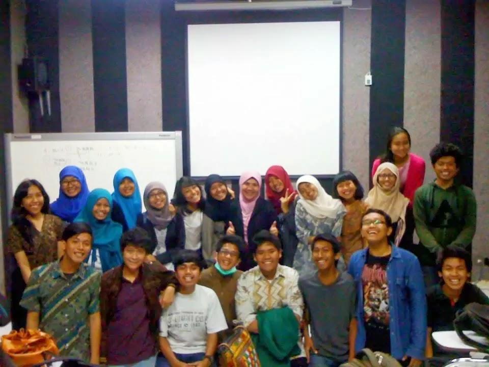 1D Sastra Indonesia with Bunda Helvy Tiana Rosa