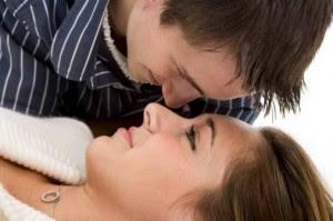 Cara Melakukan Hubungan Intim Agar Cepat Hamil
