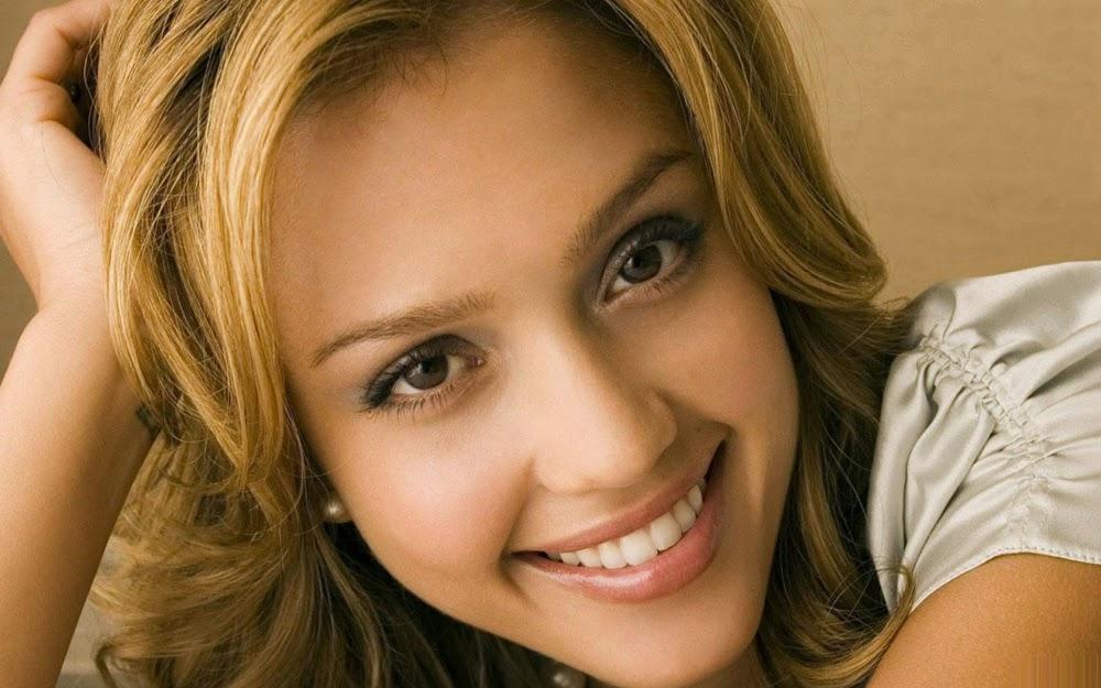 Jessica Alba Smiling Images