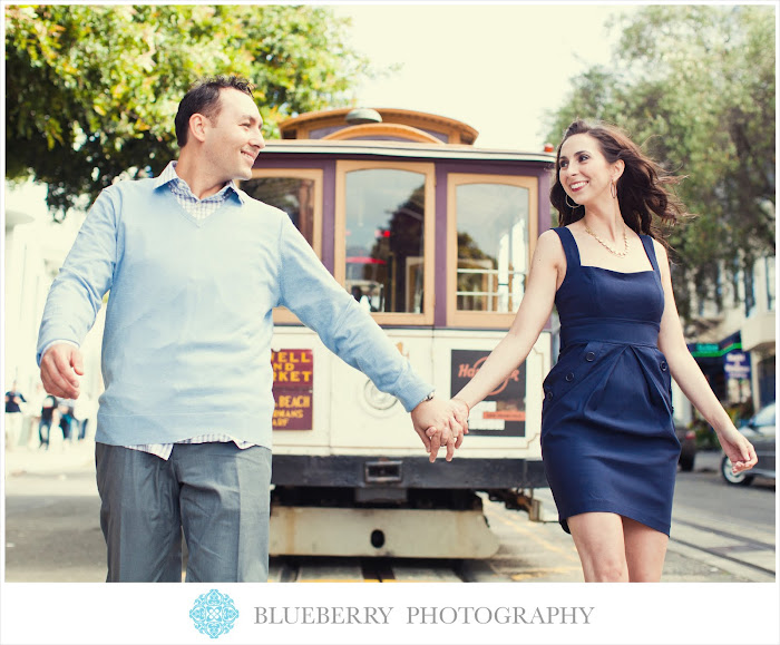 San Francisco cable car engagement photography session