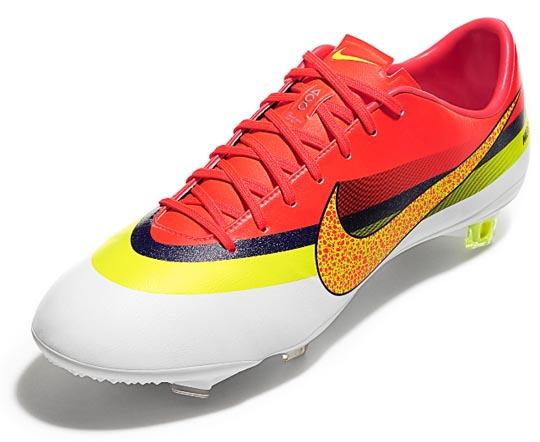 La chaussure est déjà disponible dans la boutique en ligne de Nike.