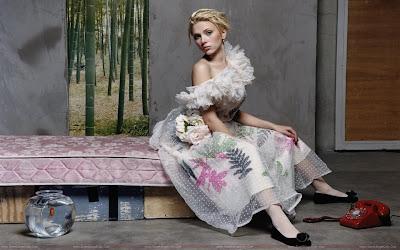 Scarlett Johansson glamour girl of hollywood