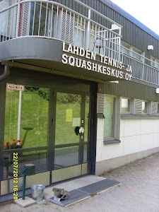 Tennisvalmennusta eri paikkakuntien tennishalleissa yhteisen sopimuksen mukaisesti  - Ota yhteyttä
