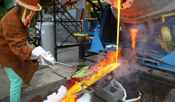 Como fazer churrasco com lava derretida (com video)