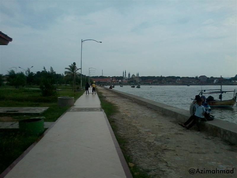Jalan setapak Wisata Pantai Boom Tuban, Foto Pantai Boom Tuban.