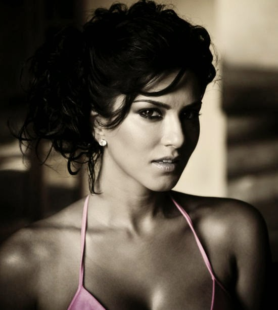 Sunny Leone Hosting Splitsvilla HD Wallpaper