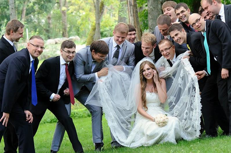 linksmi vestuvių fotografai iš panevėžio