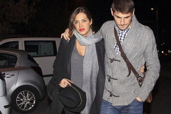 Iker Casillas comes with his partner Sara Carbonero to the Ruber International Clinic