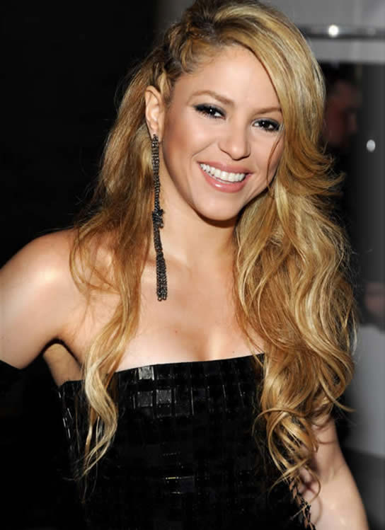 Shakira Biography And Latest Images 2013 | Hot Celebrity Pic Shakira