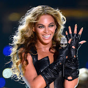 . intensified her eyes and her gold chevron manicure made certain that . (beyonce superbowl makeup )