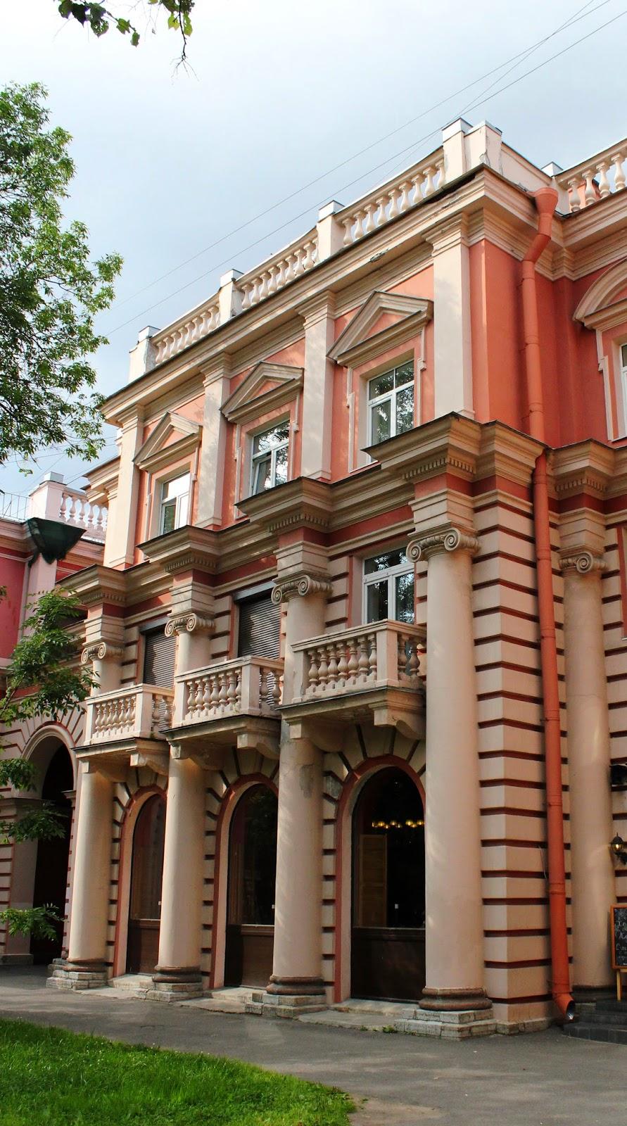 старинные здания, Петергоф
