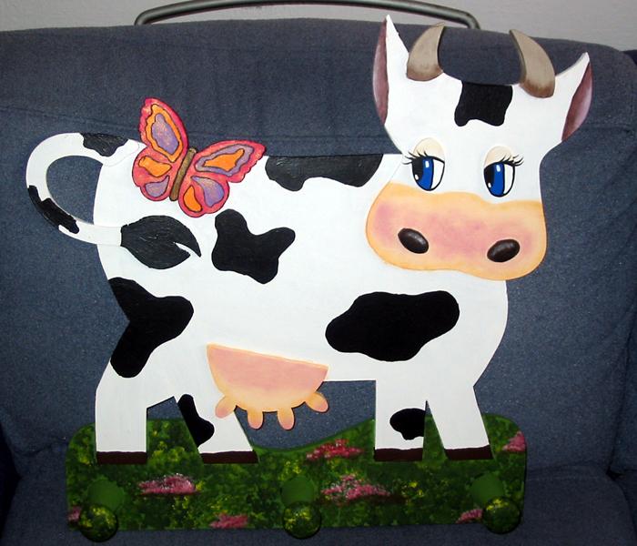 Manualidades y trucos una vaca perchero for Como hacer percheros de madera de pared