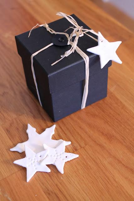 pieni joulutuliainen, ikean musta laatikko, boksi