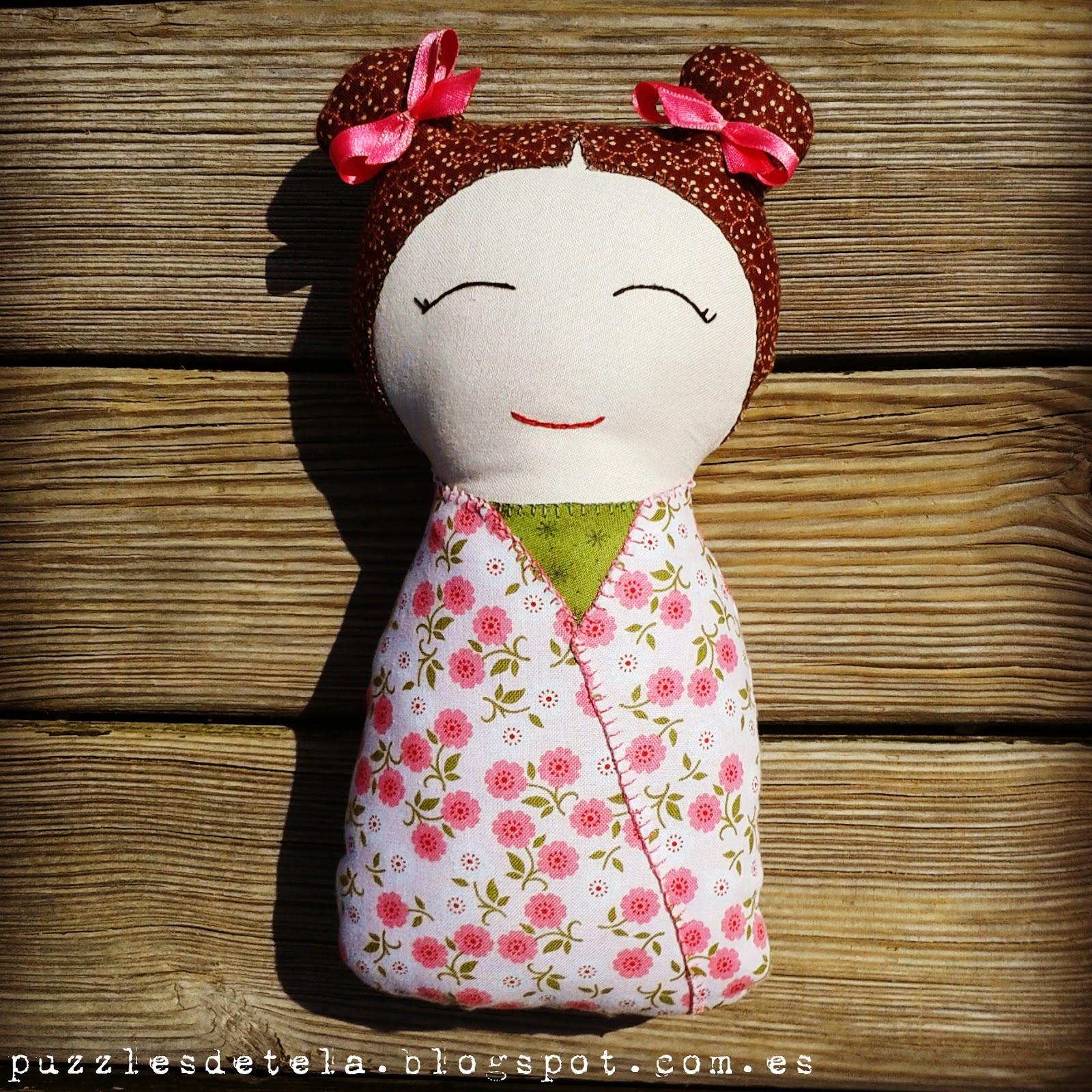 Patchwork, Kokeshi, muñecos, muñecos patchwork, muñeca kokeshi, muñeca de tela, muñeca de trapo, muñecas, puzzles de tela