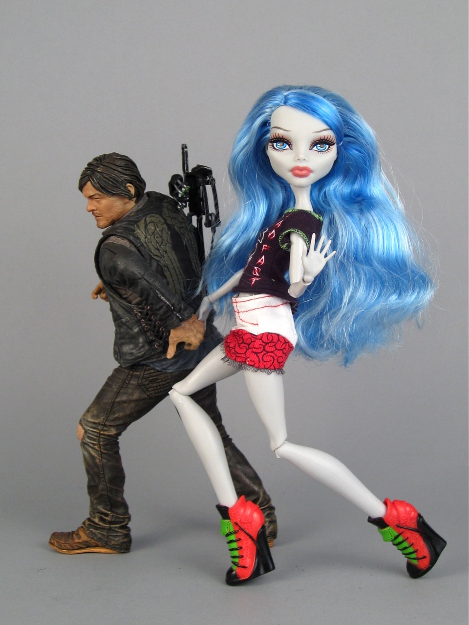 Ghoulia flirts with Daryl