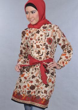 Model Baju Batik Wanita Terbaru 2012