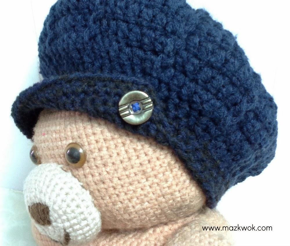 crochet buttoned hat