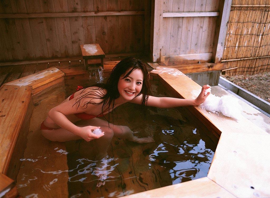 nozomi sasaki sexy red bikini photos 03