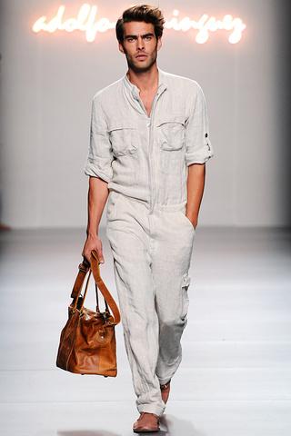 Modas y modelos ropa para hombre colecci n de adolfo for Adolfo dominguez oficinas madrid