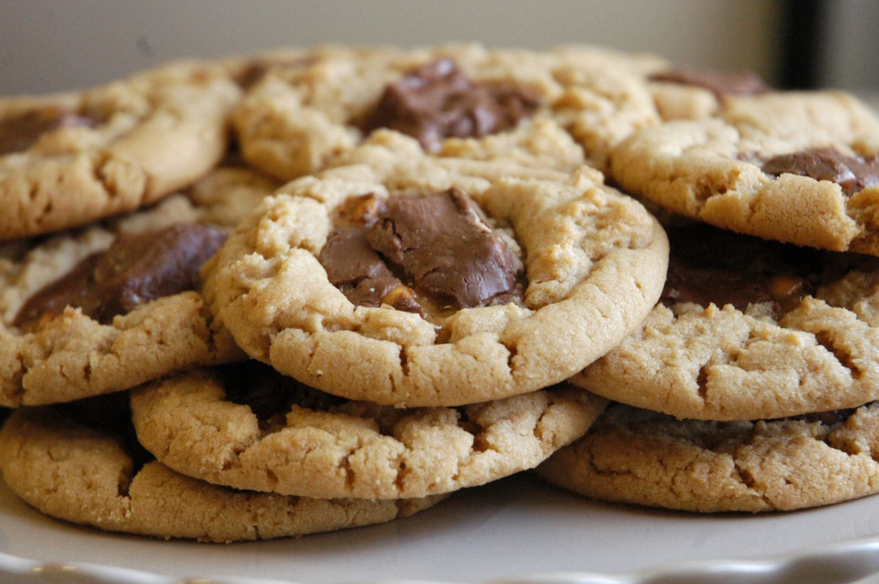 Goddess of Baking: Snickers Peanut Butter Cookies