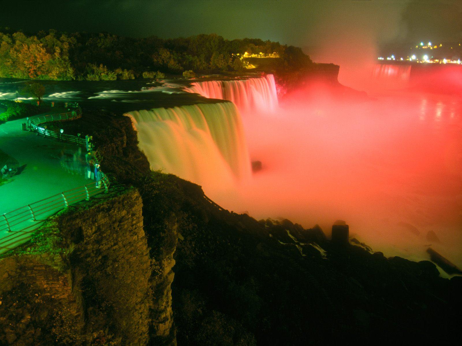 http://1.bp.blogspot.com/-kCc0zp72vnk/T5bxfqUaxNI/AAAAAAAACCY/kj4xz_rj2cM/s1600/Niagara_Falls_at_Night_-_1600x1200_-_ID_36326(www.TheWallpapers.org).jpg