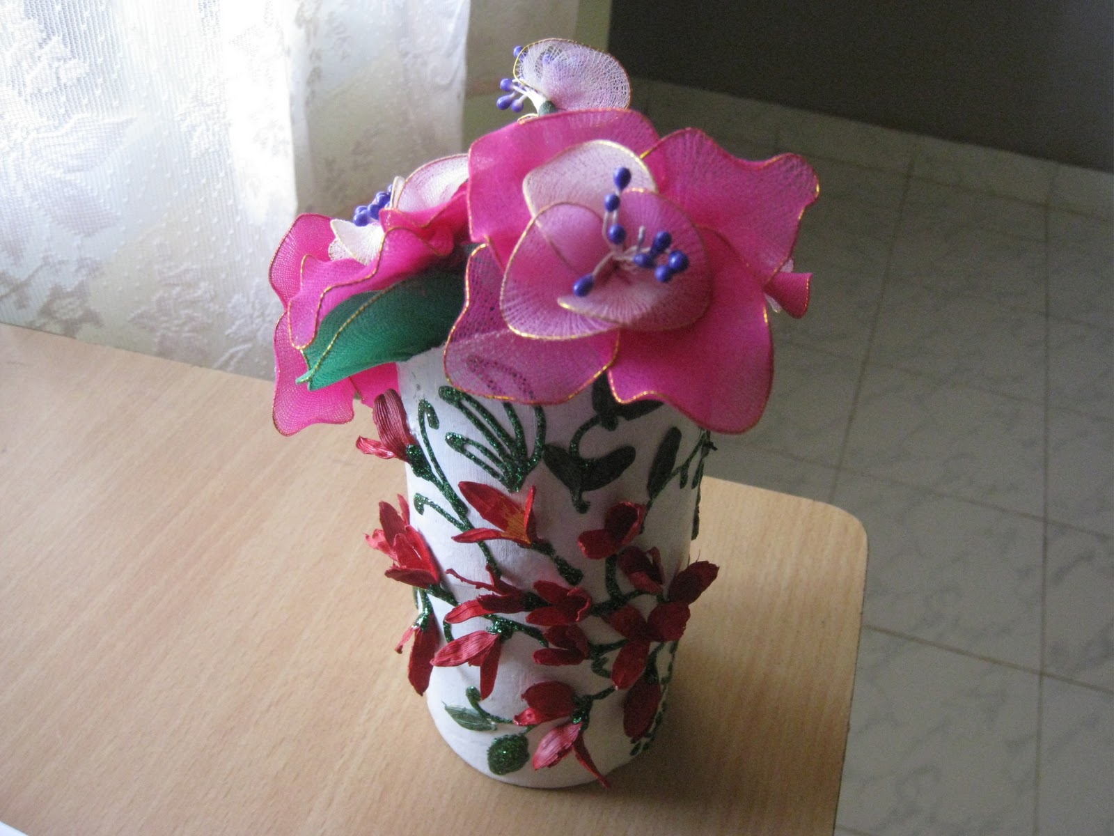 how to make flower vase with waste material